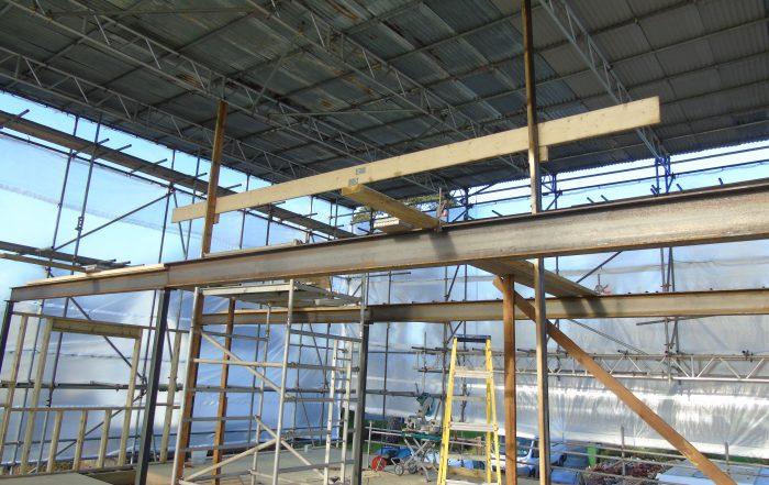 Roof steels